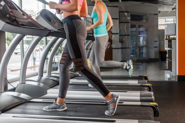 ランニングマシンで初心者や女性の速度は時速何キロ?実は傾斜も大事?